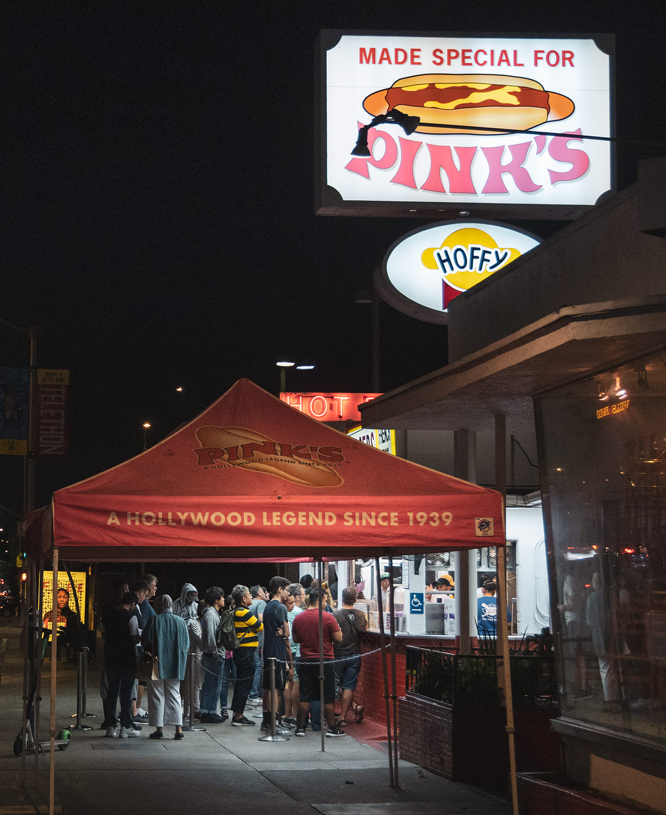 Famous Hot Dog Spot: Pink